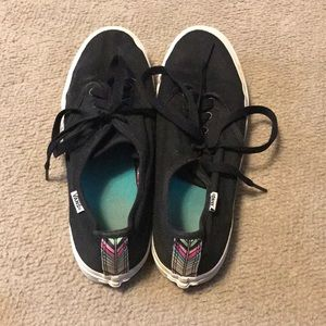 vans low tops with colorful strip